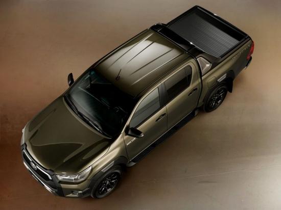 Новый Toyota Hilux Invincible поднимает планку в сегменте пикапов lifestyle