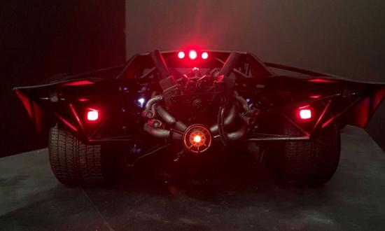 Машина Бэтмена случайно попала в интернет. Как выглядит новый Batmobil?