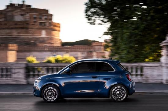 Fiat выпускает новую версию 500 EV