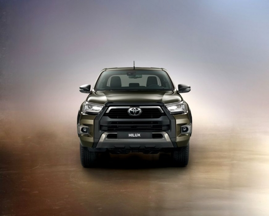 Jaunais Toyota Automašīnas Invincible paceļ latiņu segmentā pickups lifestyle