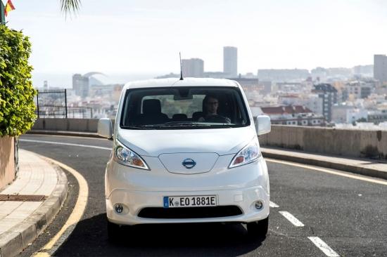 eMag запускает службу доставки электромобилями