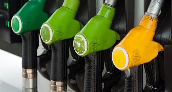 Бензин в Латвии продолжает дорожать